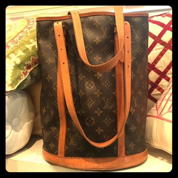 Louis Vuitton Handbags - 🍃🌹Authentic LV Tall Bucket 🌹🍃